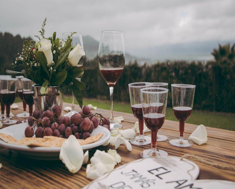 abrir una botella de vino